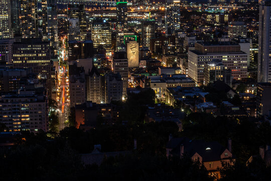 night city view in Montreal
