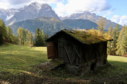 Almhütte in den Sextner Dolomiten, Alpen