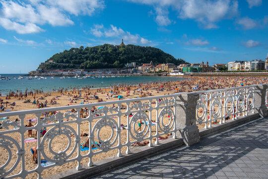 A view to San Sebastian beaches suring summer 2020
