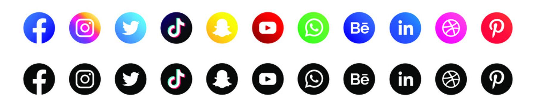 Facebook, twitter, instagram, youtube, snapchat, pinterest, whatsap, linkedin, periscope, vimeo - Collection of popular social media logo. Social media icons. Realistic set. Vector editorial
