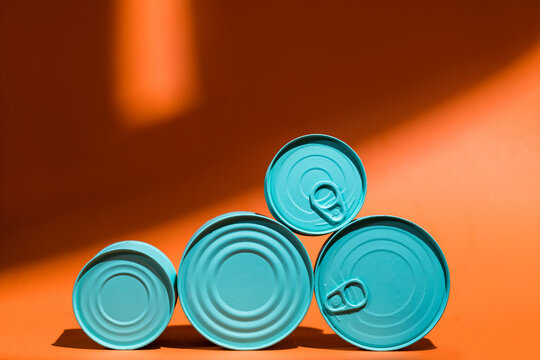 Composition of blue tin cans