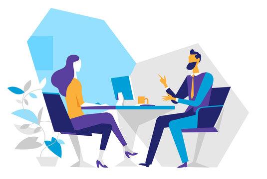 Un consulente assiste la cliente nel suo ufficio