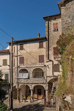 Blick auf die Altstadt von Bagnone in der Toskana in Italien
