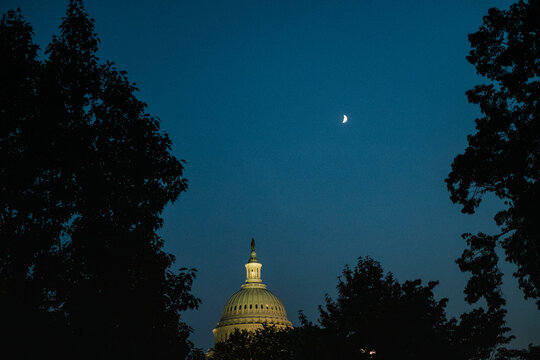 dome of the US capitol building at night