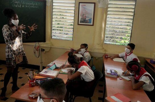 School during COVID-19 in Havana