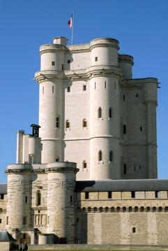 Château de Vincennes et son donjon, ville de Vincennes, département du Val de Marne, France