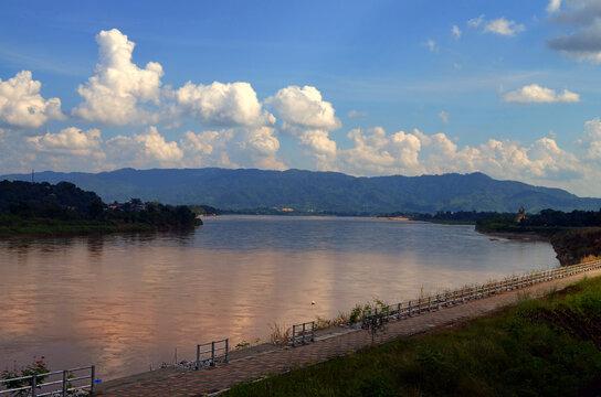 Chiang Rai, Thailand - Mekong River by Chiang Khong