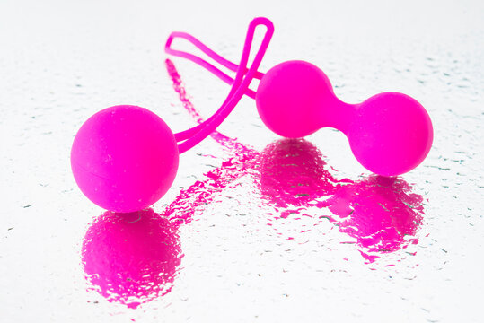 Balls Ben Wa, ball of geisha with water