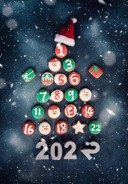 christmas calendar sweet cookies 24 days 2022