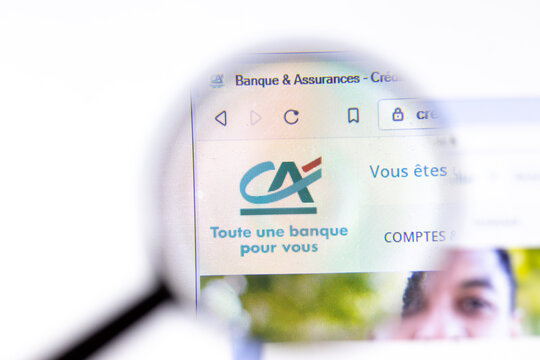 Los Angeles, California, USA - 18.02.2020: Credit Agricole website page with close up logo. Credit-agricole.fr site icon on screen, Illustrative Editorial