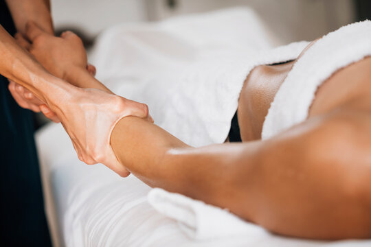 Ayurveda Therapeuitic Arm Massage with Ethereal Oil