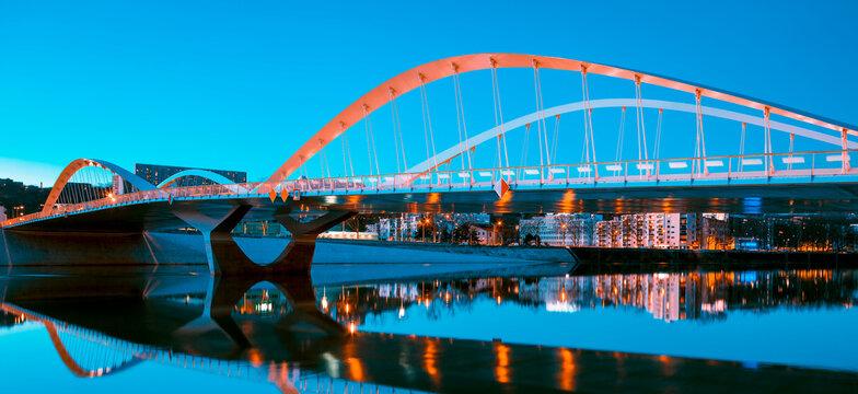 View of Schuman bridge by night