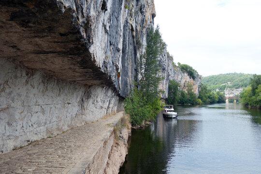 chemin de halage de Saint-Cirq-Lapopie