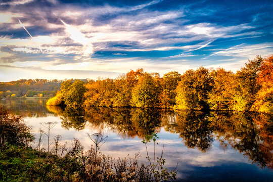 Panorama Ruhr Aue im Herbst bei Bochum