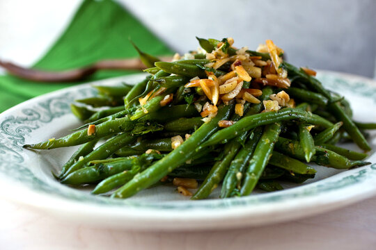 Garlic green beans on plate
