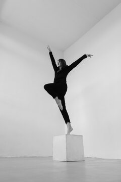 dance freedom - girl stepping from the box