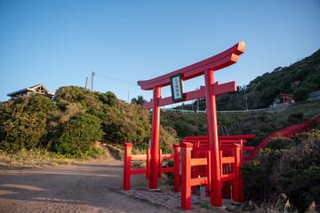 山口県長門市「元の隅神社」数多くのの鳥居が並ぶ絶景