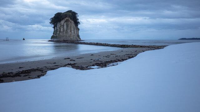 石川県 能登半島 見附島 軍艦島 雪景色