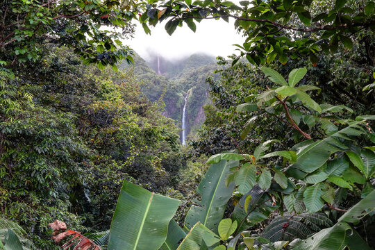 Guadeloupe les chutes du Carbet aux Antilles Française