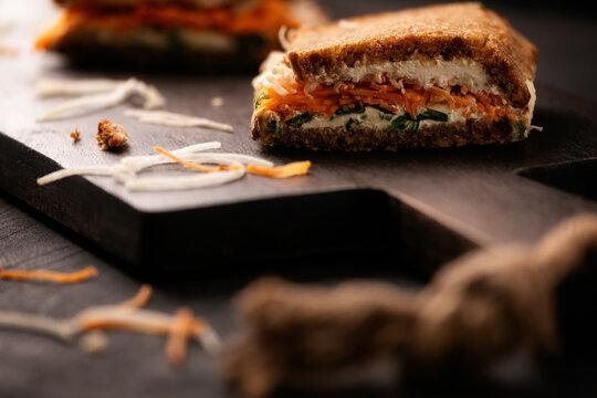 sandwich mit karotten