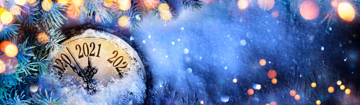 Happy New Year 2021 - Countdown To Midnight - Clock And Fir Branches On Snow