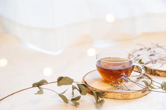 家でお茶を飲む。在宅でリラックス・おうち時間・休憩ティータイム。