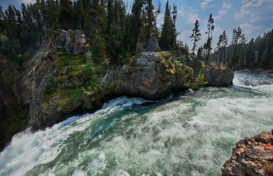 The Yellowstone River rounds one last bend before Upper Falls. Yellowstone National Park, Wyoming
