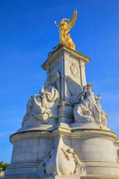 Victoria Memorial, London, Buckingham Palace