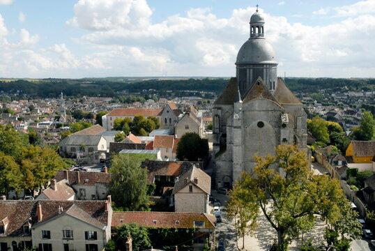ville de Provins, les toits de la Cité Médiévale, département de Seine-et-Marne, France