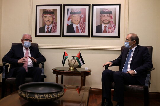 Jordanian Foreign Minister Safadi meets with Palestinian FM al-Maliki in Amman