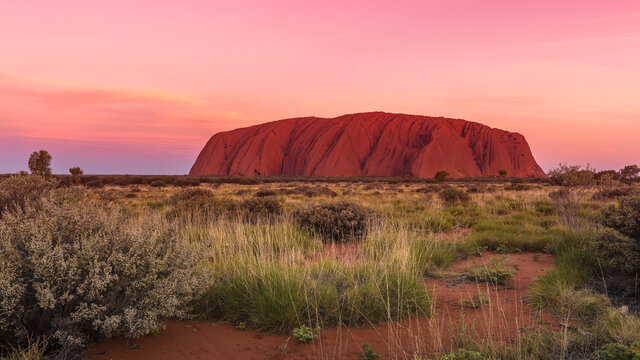 Uluru before sunset colors, Ayers Rock, Red Center, Australia