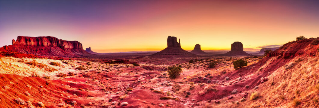 Monument Valley in Navajo National Park at Sunrise, Border of Utah and Arizona