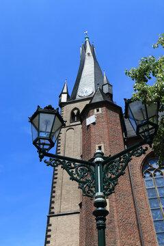 Sankt Lambertus, der schiefe Turm von Düsseldorf