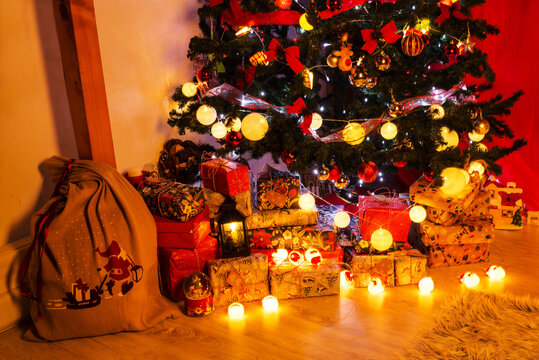 Beauty Christmas tree with lights and presents