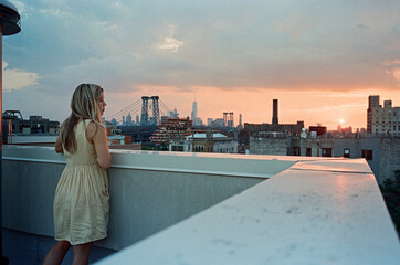 An evening view in Brooklyn Fotomurales