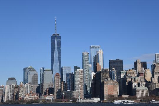 Die beeindruckende Südspitze, Financial District und Skyline von Manhattan sieht man von der Fähre nach Staten Island.