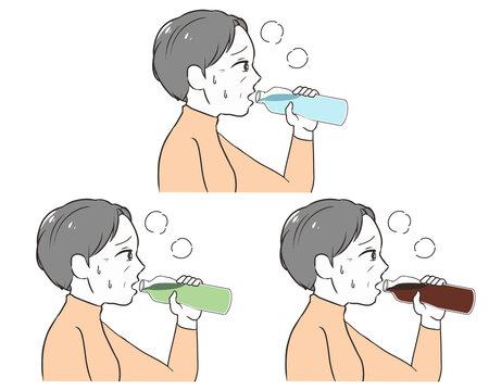 ペットボトルで水分補給 高齢女性