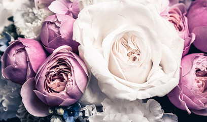 Printed kitchen splashbacks Roses Floral bouquet as gift, rose flowers arrangement at flower shop or online delivery, romantic present and luxury home decoration
