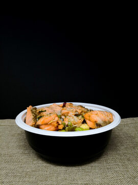 Tuna with rice in bowl, Tuna donned, Japanese cuisine