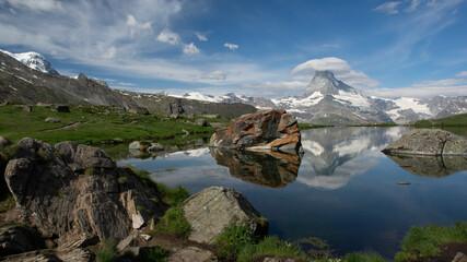 Matterhorn mit Stellisee bei Zermatt