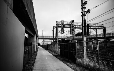 Black and white railway structure Fotomurales
