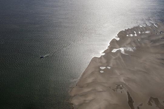 Sandbank  in der Nordsee Luftbild des Wattenmeer Nordsee aus der Luft
