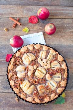 Apfel- Walnuss-Tarte