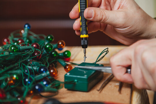 New Years is soon. Repair of  Christmas tree electric garland