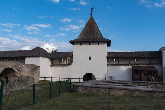 The Pskov Krom (or Pskov Kremlin). The Rybnitskaya Tower (or Tower near The Holy Gates).