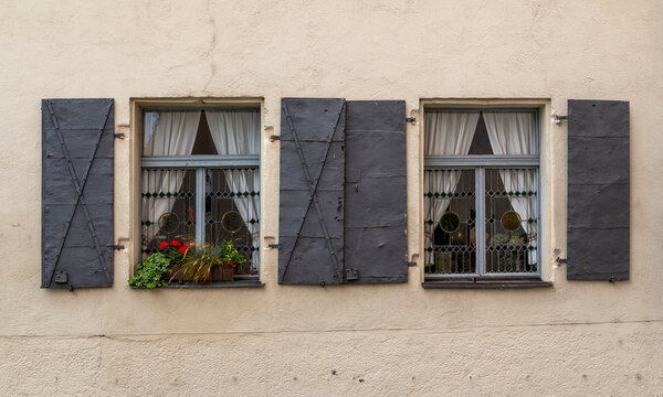 historic windows in Straubing