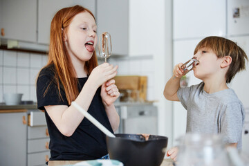 Children licking whisks, Sweden