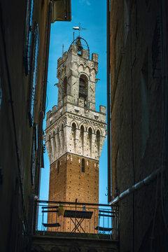Manga Turm auf dem Piazza del Campo in Siena, Italien