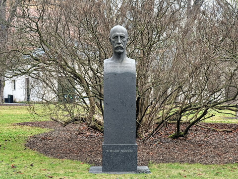 Bust of Fridtjof Nansen in Oslo, Norway. The bust by the Danish sculptor Kai Nielsen was erected in 1920 in the University Garden of Oslo.