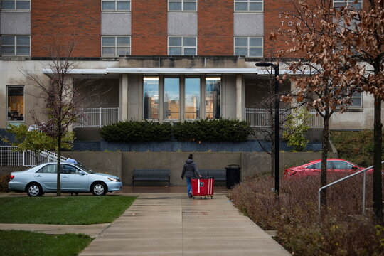 Ohio Students Leave College for Thanksgiving Break